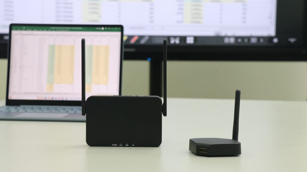 QuattroPod lite is a wireless presentation solution that will reduce costs and improve mobility.